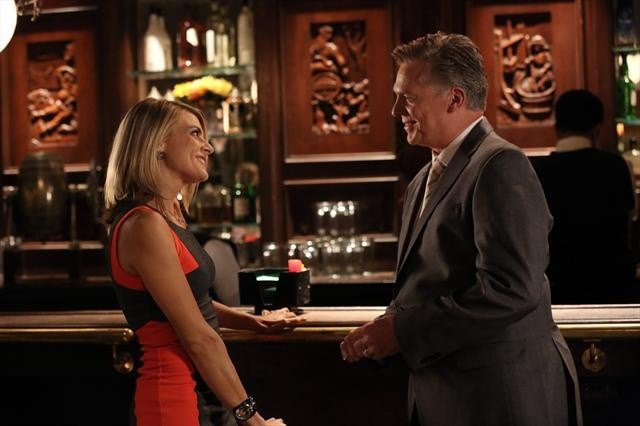 Christopher McDonald and Eliza Coupe in Happy Endings (2011)