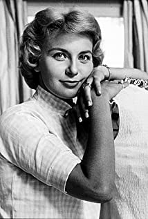 Joanne Woodward Picture