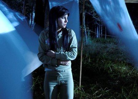 Martha Higareda (Claudia). Hasta el viento tiene miedo.