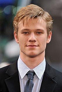 Aktori Lucas Till