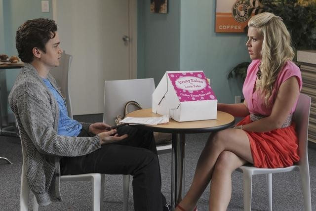 Busy Philipps and Dan Byrd in Cougar Town (2009)