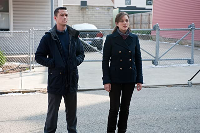 Marion Cotillard and Joseph Gordon-Levitt in The Dark Knight Rises (2012)