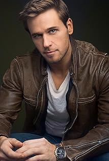 Aktori Dan Amboyer