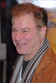 Robert Wuhl Picture