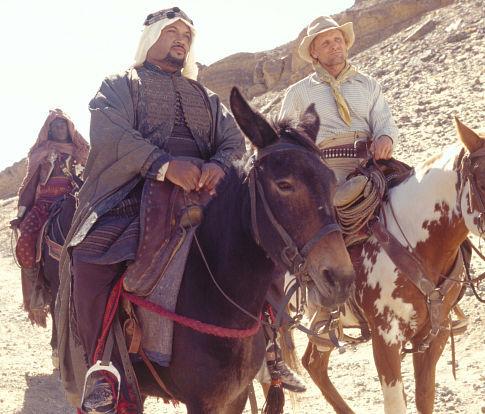 Viggo Mortensen, Adam Alexi-Malle, and Peter Mensah in Hidalgo (2004)