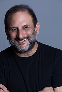 Aktori Aaron Zebede