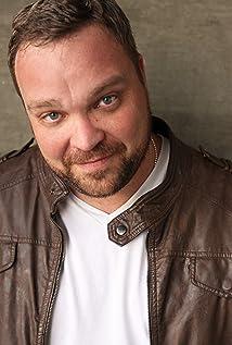 Aktori Drew Powell