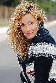 Sarah Farooqui Picture