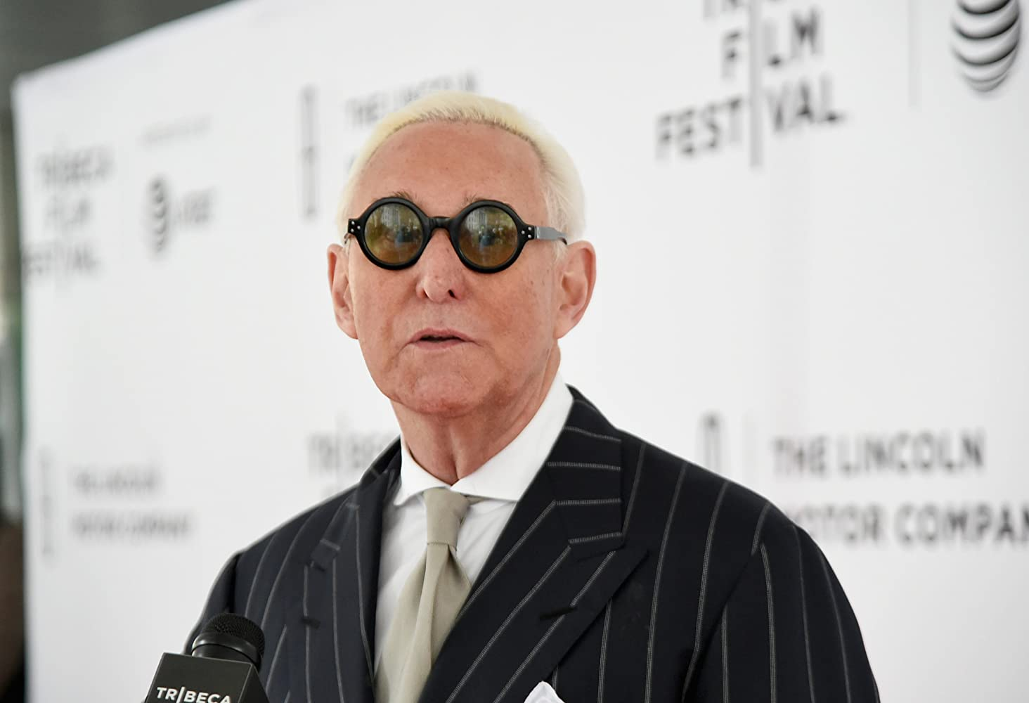 Pásame con Roger Stone (Get Me Roger Stone)