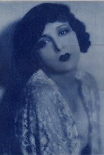 Estelle Taylor Picture