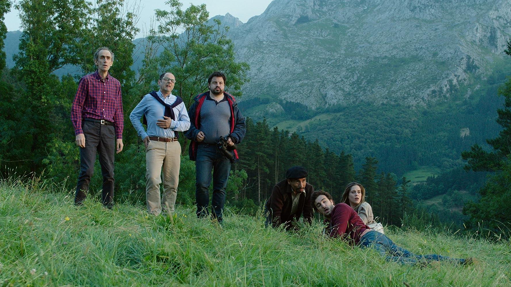 César Sarachu, Jordi Sánchez, Andoni Agirregomezkorta, María León, Miki Esparbé, y Juan Carlos Aduviri en Cuerpo de elite Pelicula Completa HD