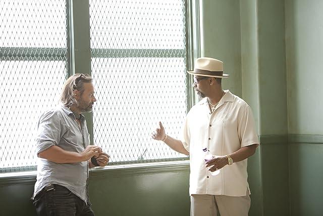 Denzel Washington and Baltasar Kormákur in 2 Guns (2013)