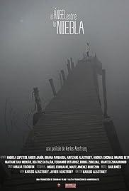 El ángel entre la niebla Poster