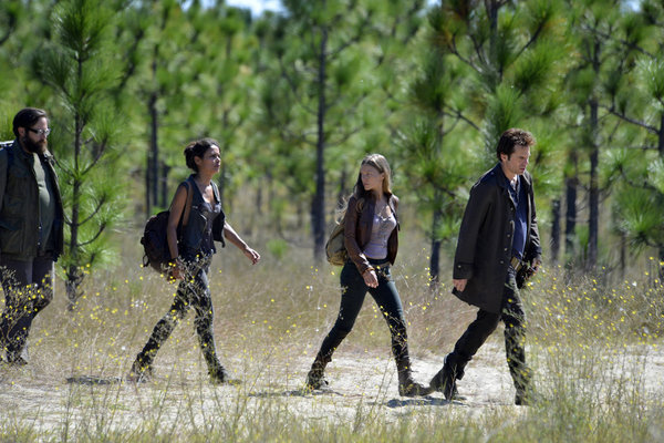 Daniella Alonso, Billy Burke, Zak Orth, and Tracy Spiridakos in Revolution (2012)