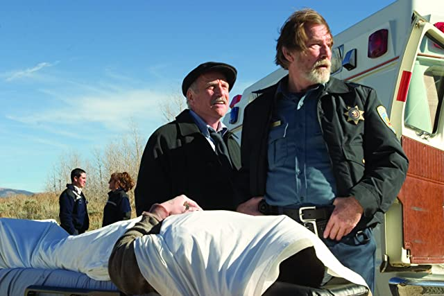 Richard Dreyfuss and James Gammon in Silver City (2004)