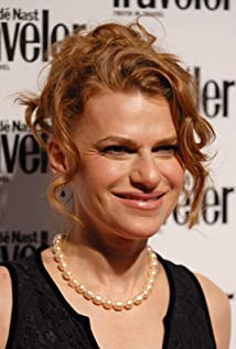 sandra bernhard height