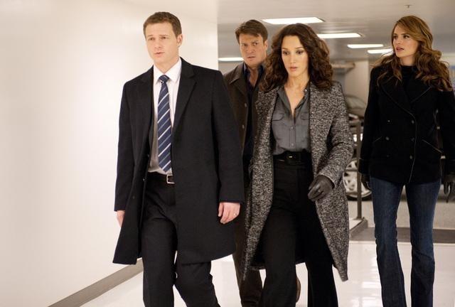 Jennifer Beals, Nathan Fillion, Stana Katic, and Jade Carter in Castle (2009)