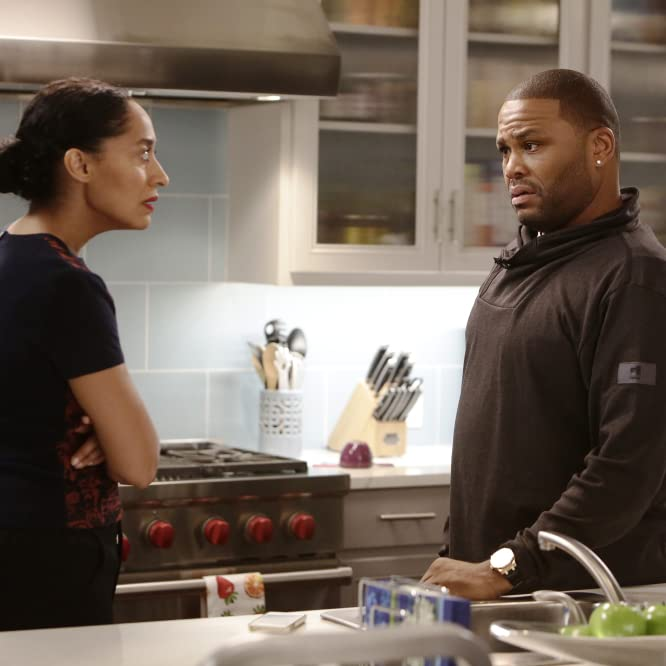 Anthony Anderson and Tracee Ellis Ross in Black-ish (2014)