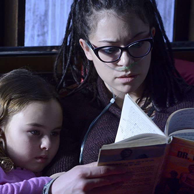 Tatiana Maslany and Skyler Wexler in Orphan Black (2013)