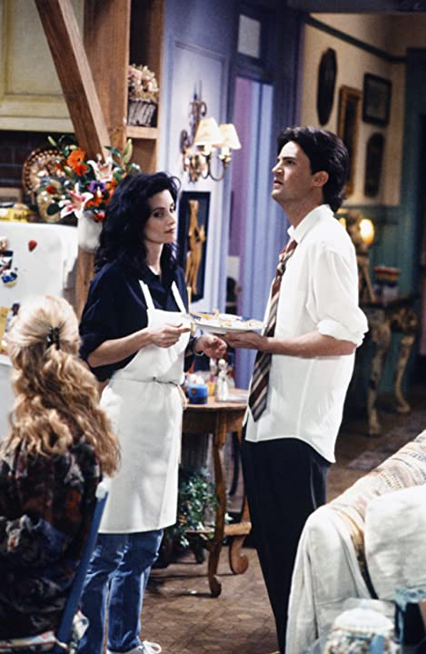 Courteney Cox and Matthew Perry in Friends (1994)