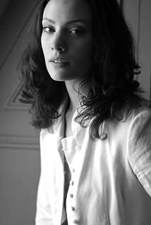 Camille De Pazzis Picture