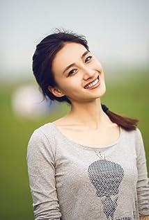 Aktori Joyce Wenjuan Feng