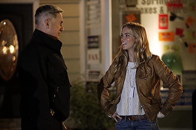 Mark Harmon and Emily Wickersham in NCIS (2003)