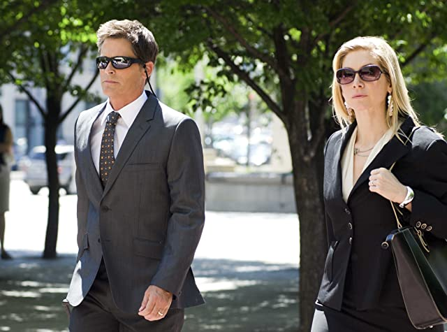 Rob Lowe and Elizabeth Mitchell in Prosecuting Casey Anthony (2013)