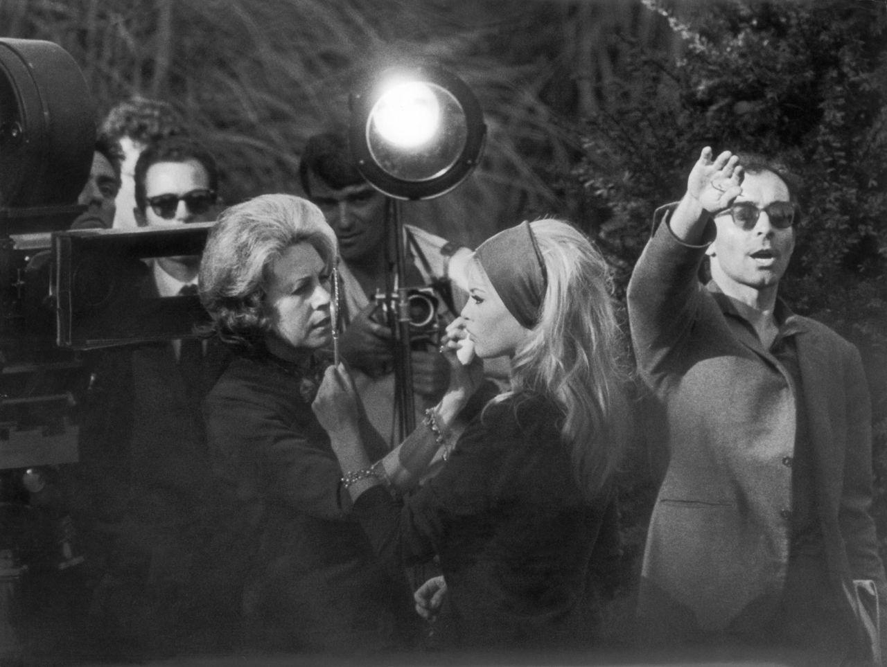 Brigitte Bardot, Jean-Luc Godard, and Raoul Coutard in Le mépris (1963)