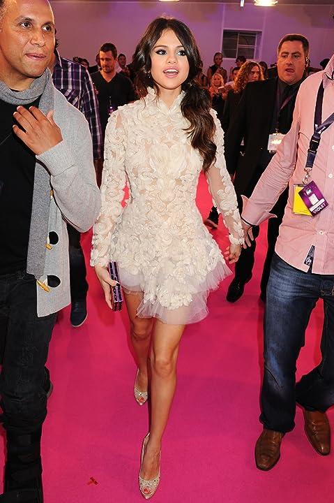 Selena Gomez at MTV Europe Music Awards 2011 (2011)