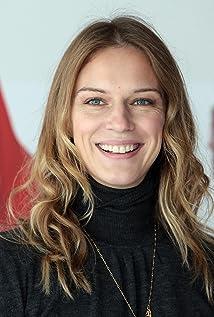 Antonia Liskova Picture