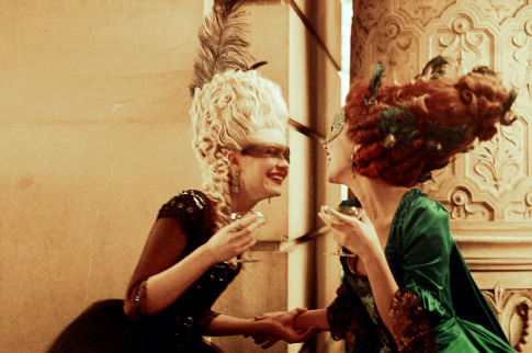 Kirsten Dunst and Rose Byrne in Marie Antoinette (2006)