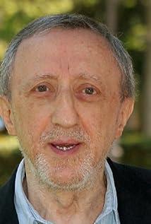 Carlo Delle Piane Picture