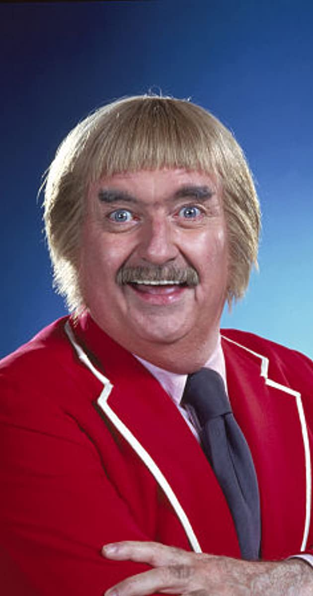 an analysis of captain kangaroos character in american childrens show Captain kangaroo was an american children's the show was conceived and the title character built around life in the treasure house where the captain.