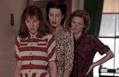 Gina McKee, Jacqueline McKenzie, and Kiersten Warren in Divine Secrets of the Ya-Ya Sisterhood (2002)