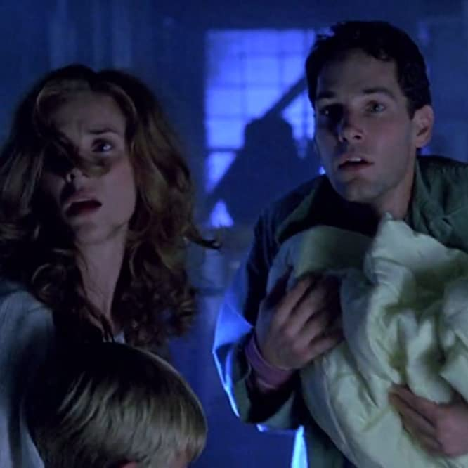 Marianne Hagan and Paul Rudd in Halloween: The Curse of Michael Myers (1995)