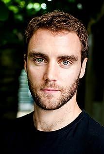 Aktori Aron Hegarty