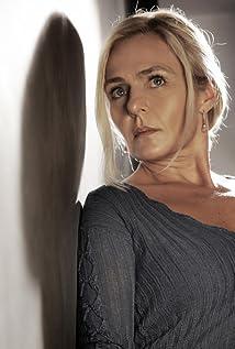 Lili Popovich Picture