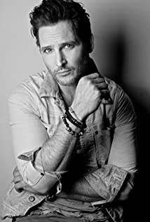 Peter Facinelli Picture