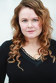 Aktori Maeve McGrath