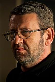 Aktori Adrian Titieni