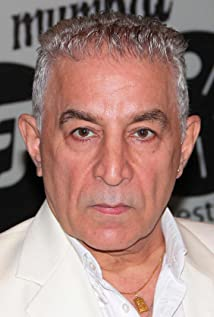 dalip tahil biography