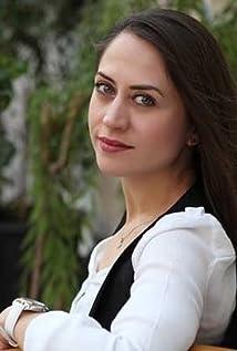 Selen Ozturk Picture