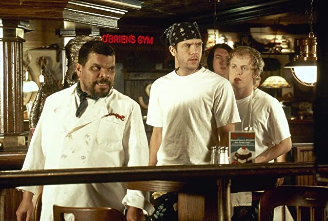 Dane Cook and Luis Guzmán in Waiting... (2005)