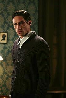Aktori Benjamin Sadler