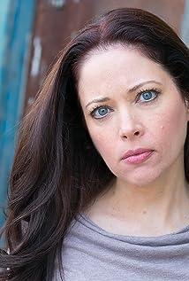 Aktori Mary Cross