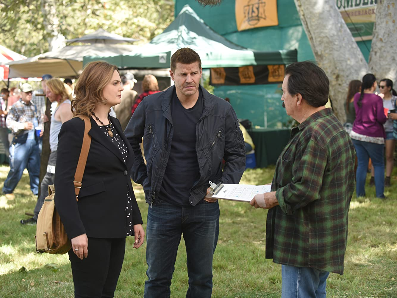 David Boreanaz, Emily Deschanel, and Dave Thomas in Bones (2005)