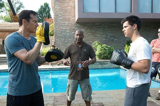 Jason Isaacs, John Singleton, and Taylor Lautner in Abduction (2011)
