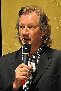 Elia Cmiral Picture