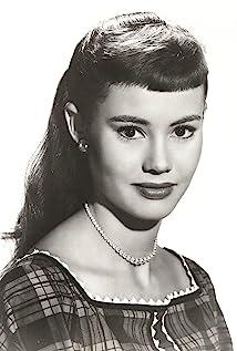 Roberta Shore Picture